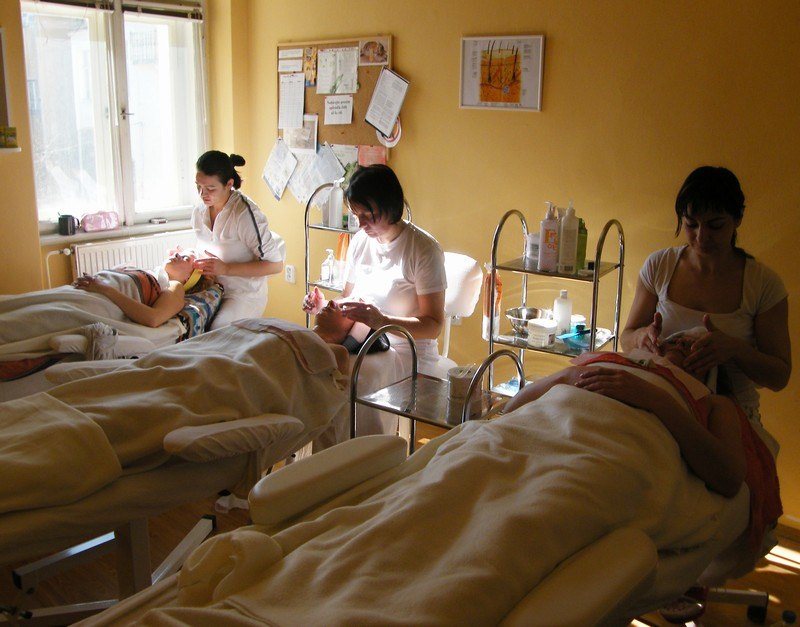 kosmetičky při kosmetické masaži