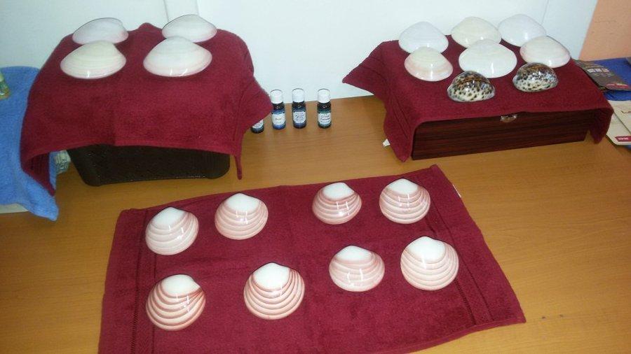 Kurz tepelné techniky - připraveno na masáž horkými mušlemi.
